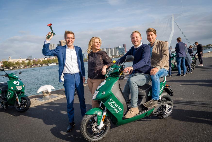 Elektrische deelscooters felyx nu ook in Rotterdam