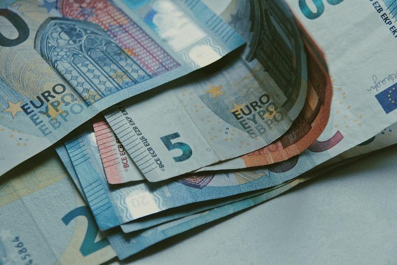 Geldvinder, financiën, investeren, geld besparen, geld sparen, APG, pensioen, sparen, financial, financieel