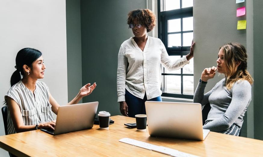 vrouwelijk management, management, onderzoek, prestatie