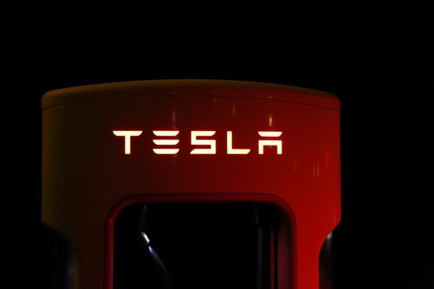 Tesla, Elon Musk, aandelenkoers Tesla omlaag